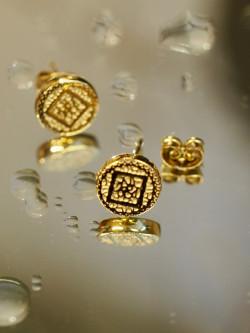 Nixie earring gold