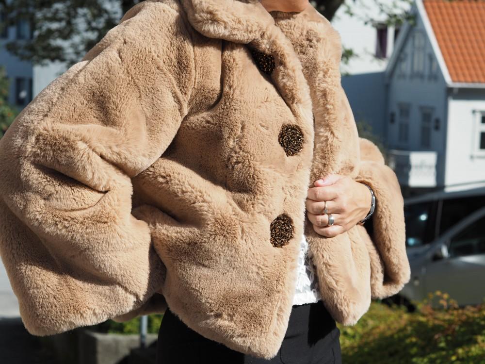 Camel Faux Fur Jacket byTiMo
