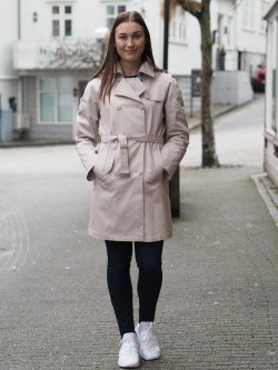 TP cool travel trenchcoat sand