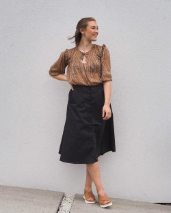 Isla 14 skirt black