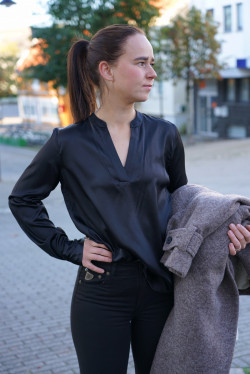 Dakota silk blouse black