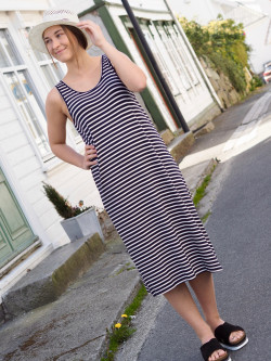 Ounce derss navy white stripe