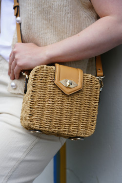 Straw convertible clutch nature