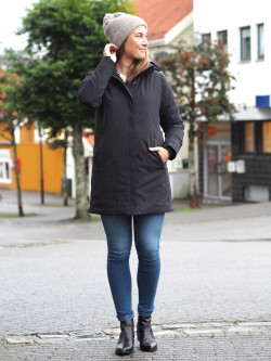 Woman coat black
