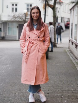 Woman trench coat pink